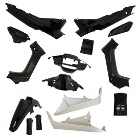 Πλαστικά σετ (κουστούμι) μαύρο χρώμα για Yamaha F1Z Μαλαισίας